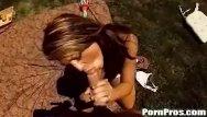 Hot girlfriend gives real good blowjob Carmen giving outdoor blowjob