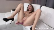Hair pie clit dilgo Long haired babe rubbing her smooth clit