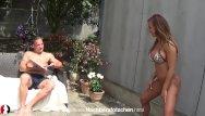 Bikini community modeling type Deutsche amateurin wird im park gefickt