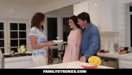 Mom washes cooks fucks - Familystrokes - fucking my stepdad while mom cooks