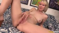 Slut masturbating woman Mature woman jamie foster takes big dick