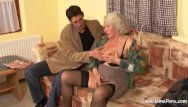 Free granny amateur porn - Granny is still quite a skilled cock pleaser
