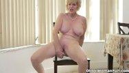 Mature woman shows hot to masterbate American granny phoenix skye shows her depraved skills