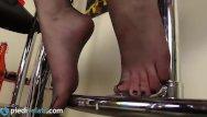 Platform heels sexy bitch thumbs - Blonde feet in pantyhose and platform heels