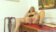 Gillis pussy British milf gilly dildos her shaven fanny for us