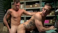 Porno gay pictures - Big dick daddy friends make a porno at work