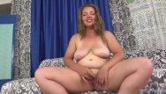 Orgasm with a vibrator - Plumper brings herself to orgasm with vibrators