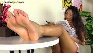 Platform heels xxx - Teenage barefoot brunette in platform heels
