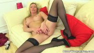 Cum over fannys - English milf holly kiss slides a finger up her fanny