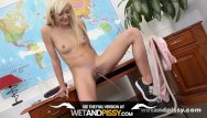 Reporter pees herself Wetandpissy - pussy pissing for blonde lola shine who soaks herself in pee