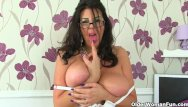 Naked office woman English milf fiona takes her office job very seriously