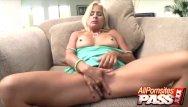 Rachael leigh cook xxx Hot mature payton leigh gets her dick