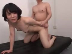 Amateur daughter who can not keep an eye on the erect cock