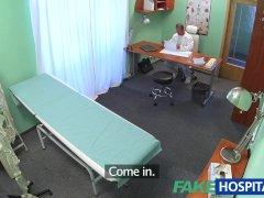 FakeHospital Russisch kuiken geeft doktersseks