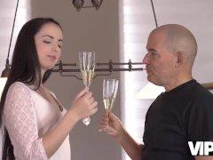 VIP4K. Older boyfriend Fernando makes Kittina Ivory happy