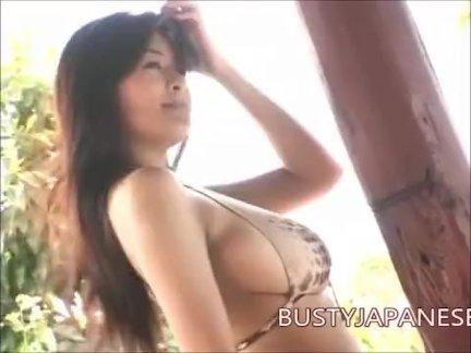 Эрина Ямагути большие сиськи