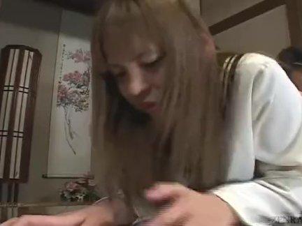 Субтитры япония школьница порка втроем