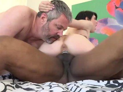 Плющ аура трахается сосед перед ее старый муж