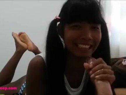 Маленькие азии тайский подросток хизер глубокий - крем