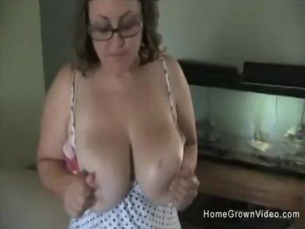 Мэнди трах трахается джонки с ее массивные дыни