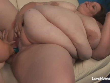 Большой жопа красотки и горячая толстушки