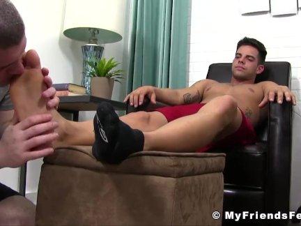 Ноги фетиш Джок - надлежащее сосёт