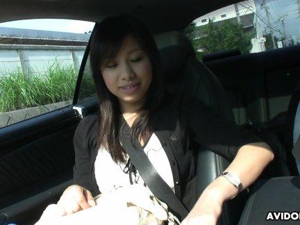 Милые азии брюнетка подросток вороватый после сосёт в автомобиль
