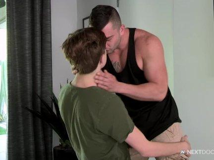Некстдурбуддиес мышцы член лижет жопу молодой студенты мальчик