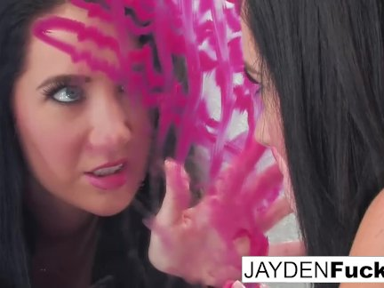 Джейден решает играть с ее удивительные киска