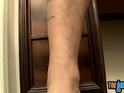 Джок бумер якоби поглаживание член в ноги фетиш соло