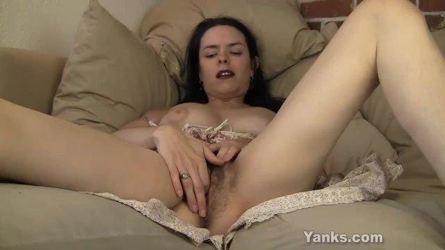 Yanks MILF Lucia Masturbating
