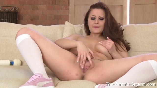 Curvy Shy Babe First Time With Hitachi Cannot Stop Masturbating To Multiple