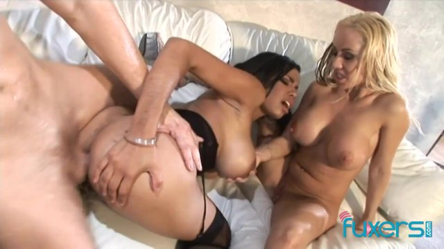 Havana Ginger and Davia Ardell in trio