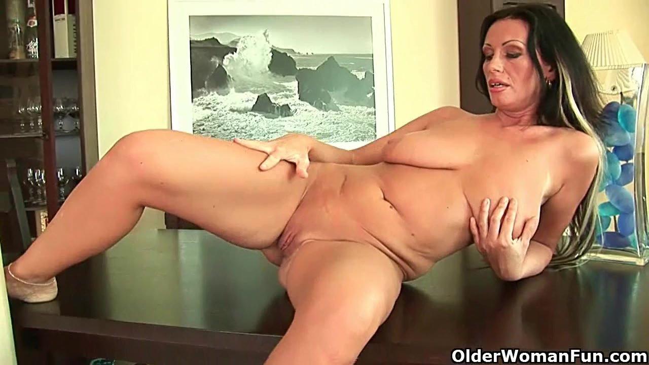 Classy milf solo porn pics