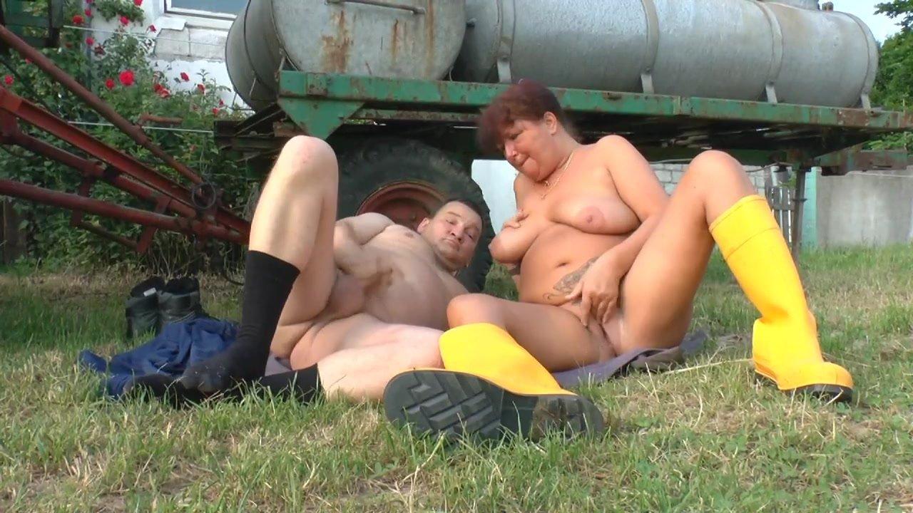Farmerpaar Fickt Auf Feld