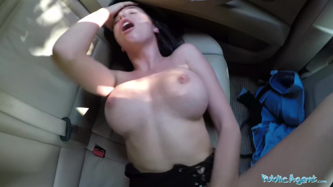 Public Agent Sexy Tourist