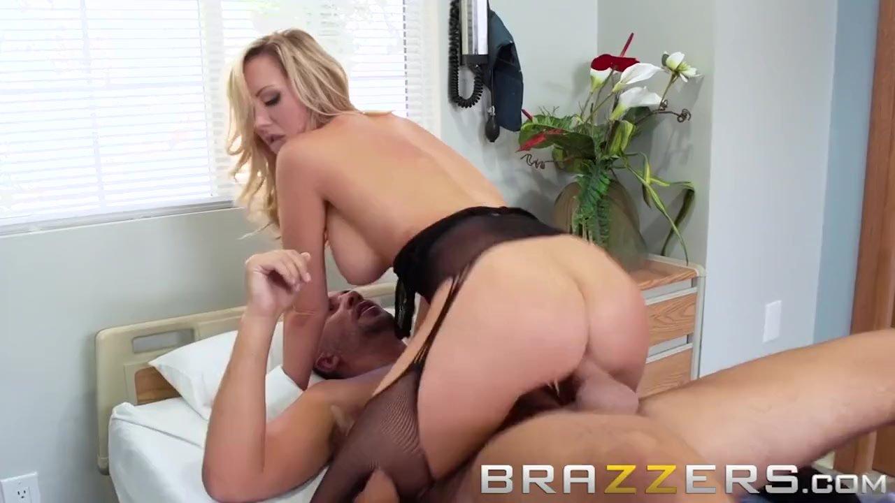 Actriz Porno Valentina Rossi Madura Italiana perra loca por el sexo brett rossi es cogida - brazzers