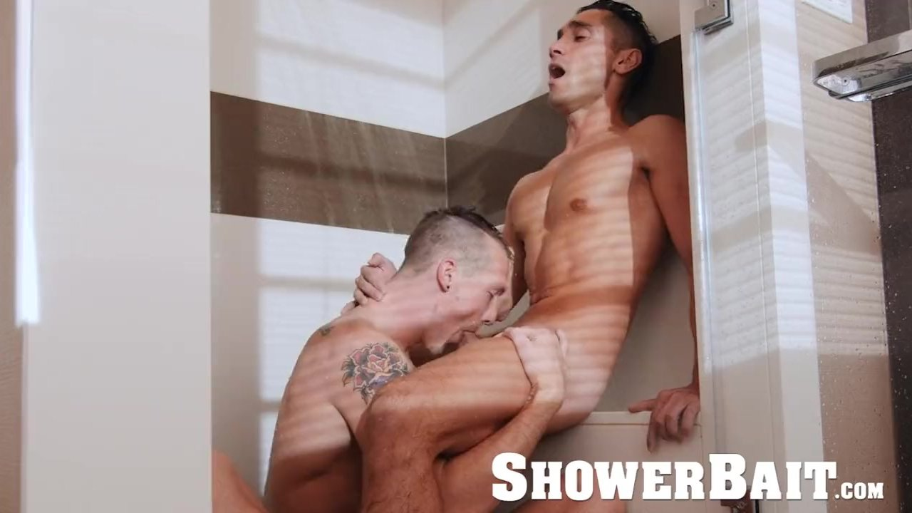 Fratmen shower blow job red tube — img 2