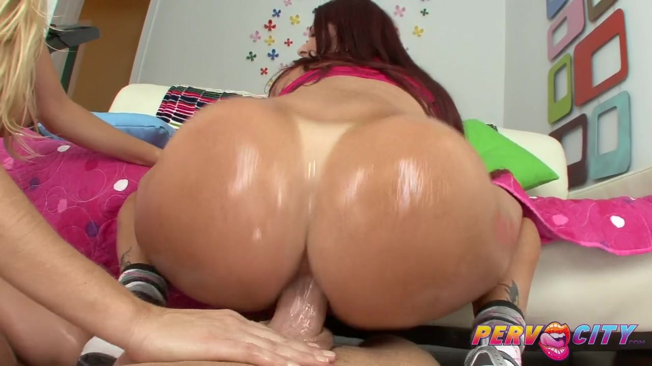 Russian Amateur Anal Threesome