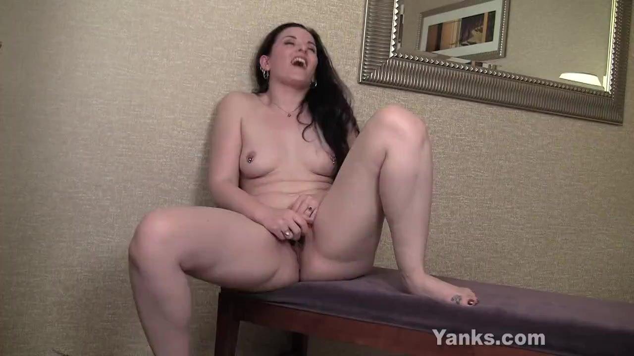 Yanks Caroline Toys Her Pierced Pussy