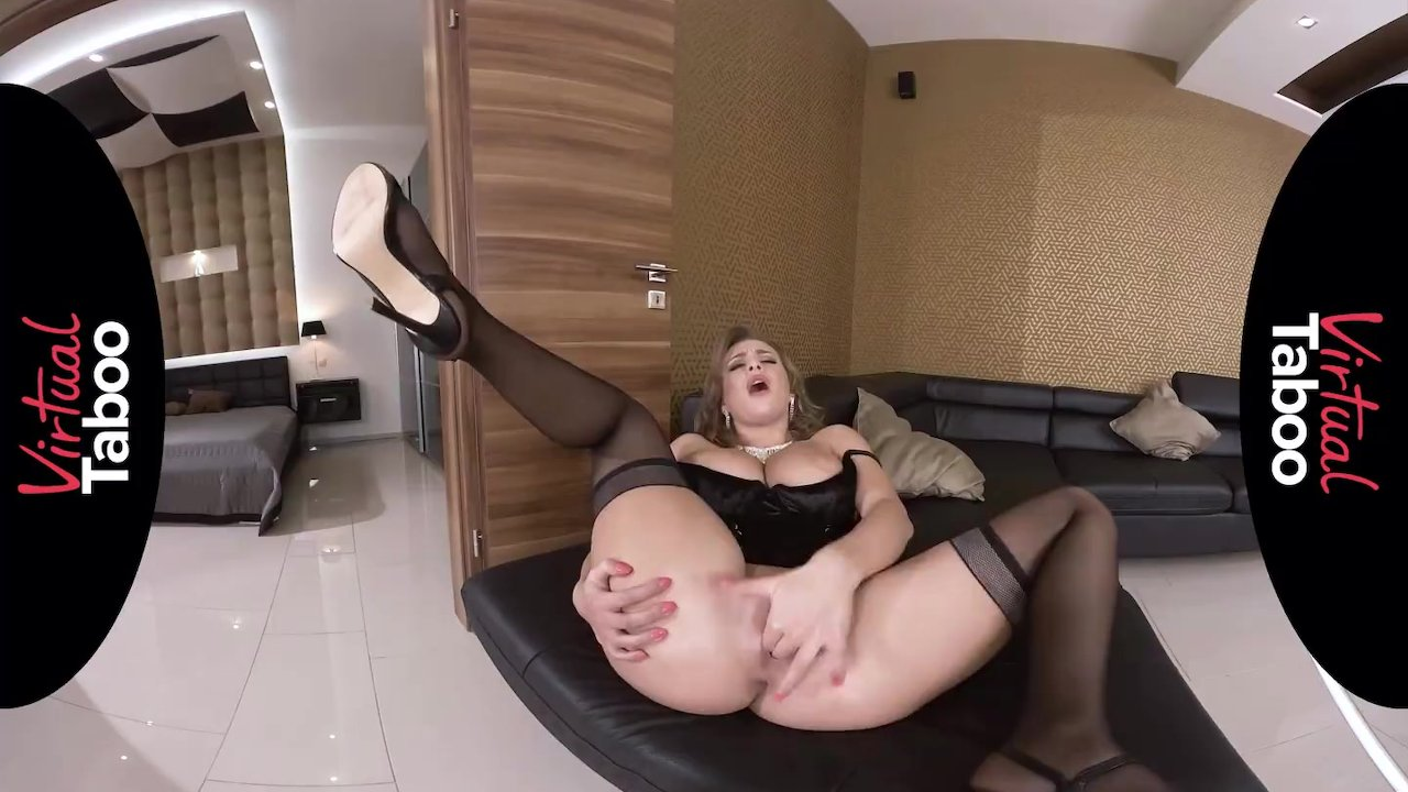 VIRTUAL TABOO - Perfect Tits And Ass On Sexy MILF