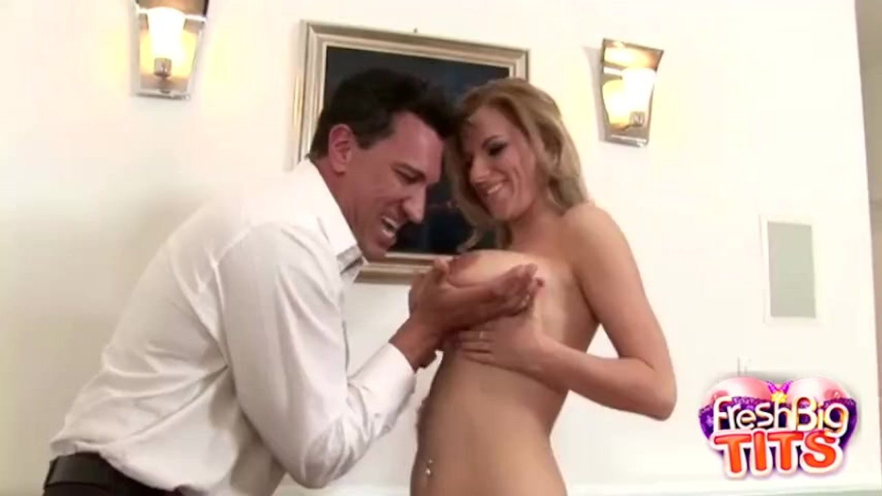 Cock Sucking Busty Hailey Cummings Likes It Cowgirl