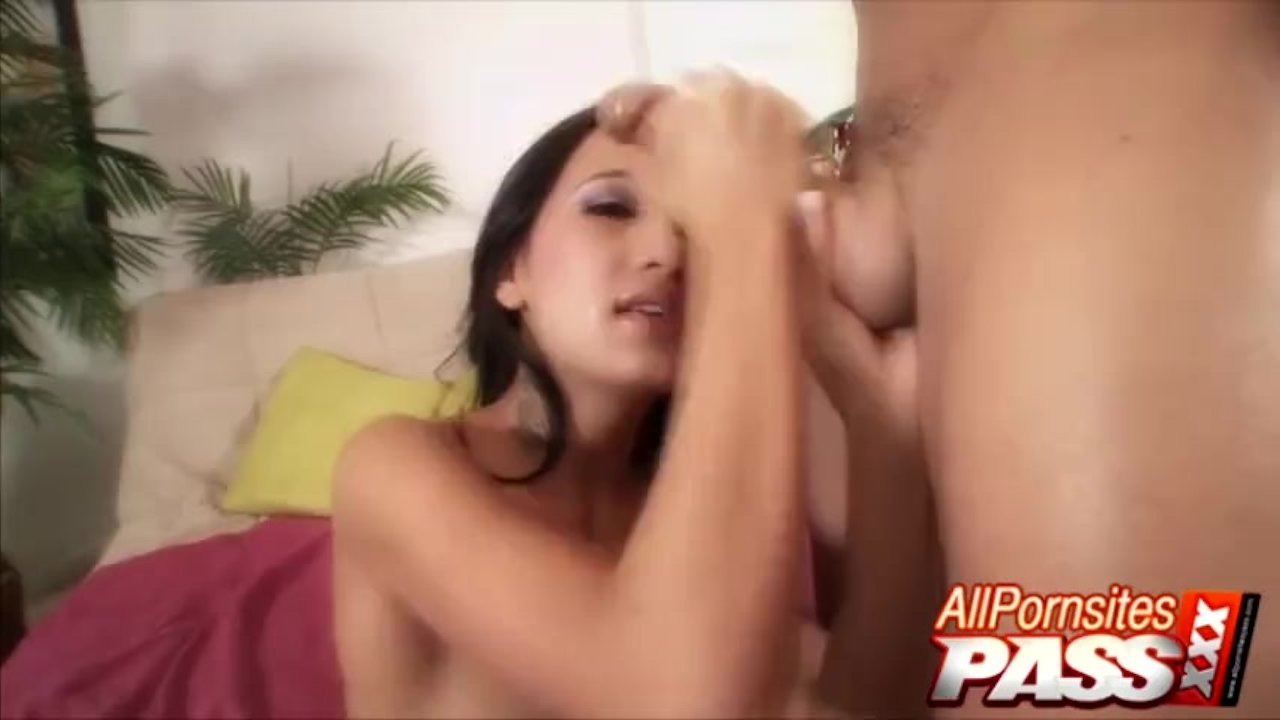 Petite Babysitter Amia Miley Big Cock Blowjobs And Fucking