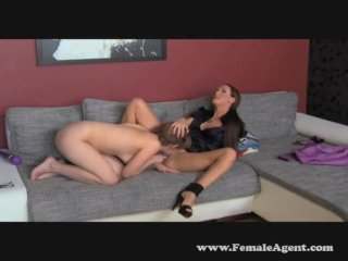 Shy sexy hippie tastes pussy for the first time