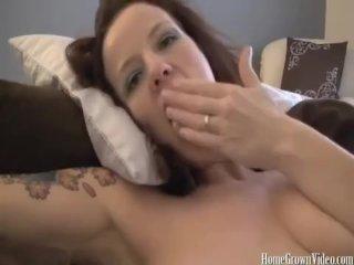 Annabelle Flowers jackin a hard cock