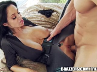 Ava is a good pussy cat – brazzers