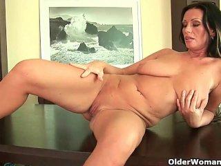 How classy moms turn into sex craving sluts