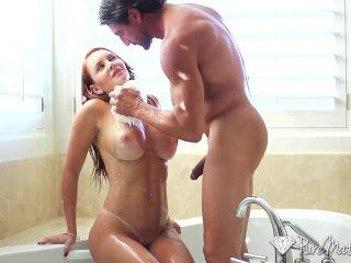 HD – PureMature Bathing Janet Mason creampied