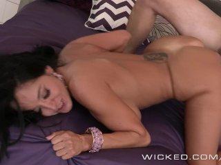 Wicked – Stepmom takes control of big dick