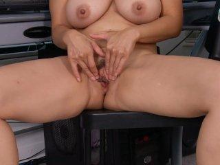 Mature Asian mom with beautiful big tits